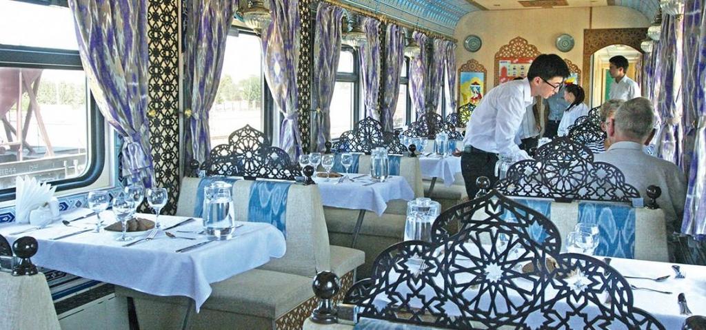 Speisewagen im Orient Silk Road Express