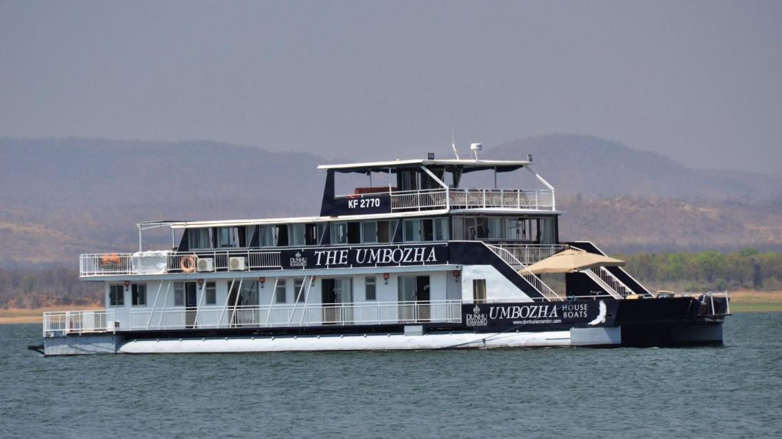 Hausboot Umbozha  (Sambesi)