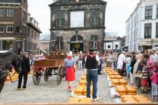 Käsemarkt in Gouda (Foto: bertknot Lizenz: CC BY-SA 2.0)