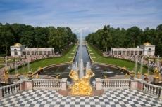 Schloss Peterho mit der Großen Kaskade - St. Petersburg