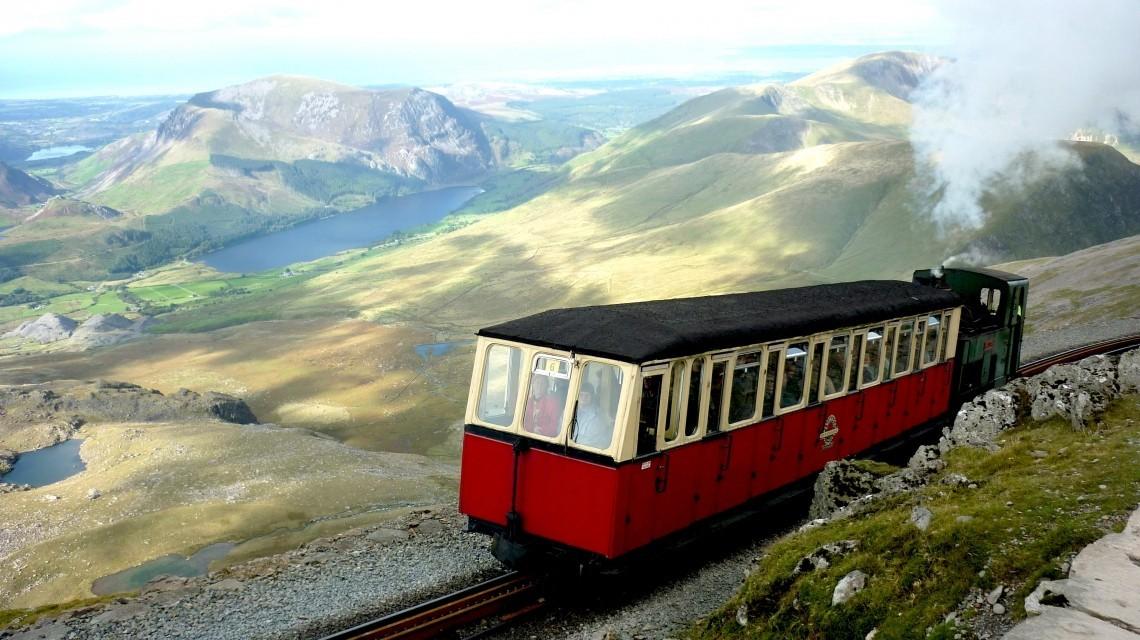 Dampfzug-Romantik und wilde Landschaften in Wales