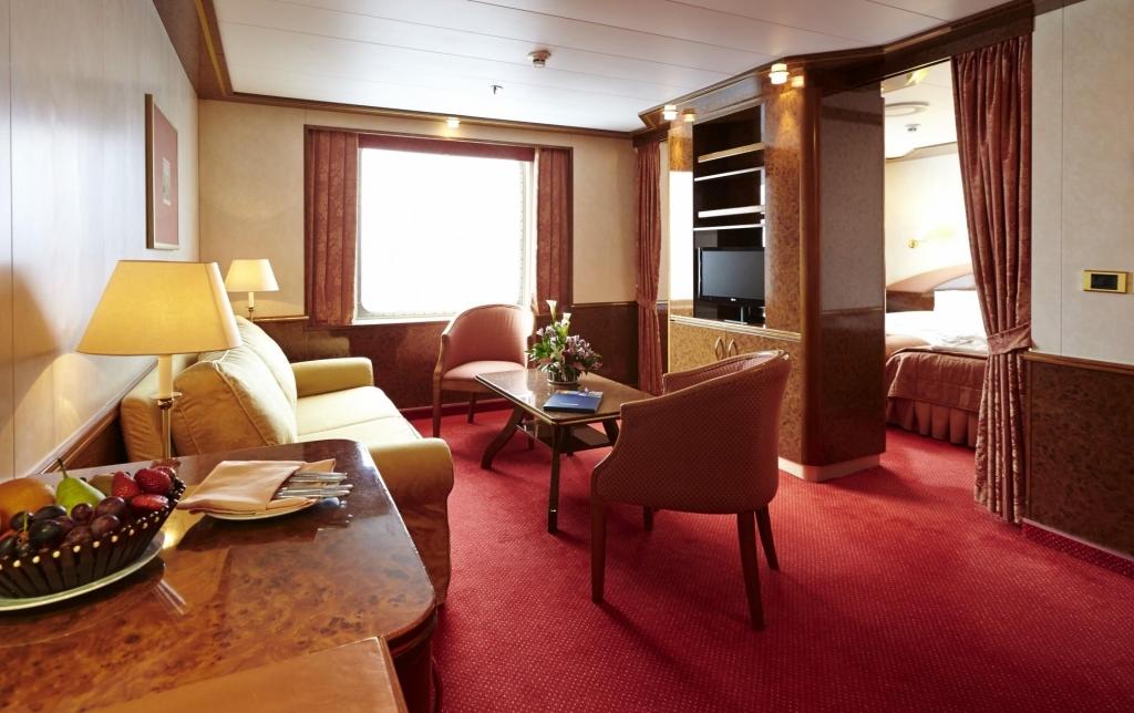 MS Hamburg, Suite, Kat. 12