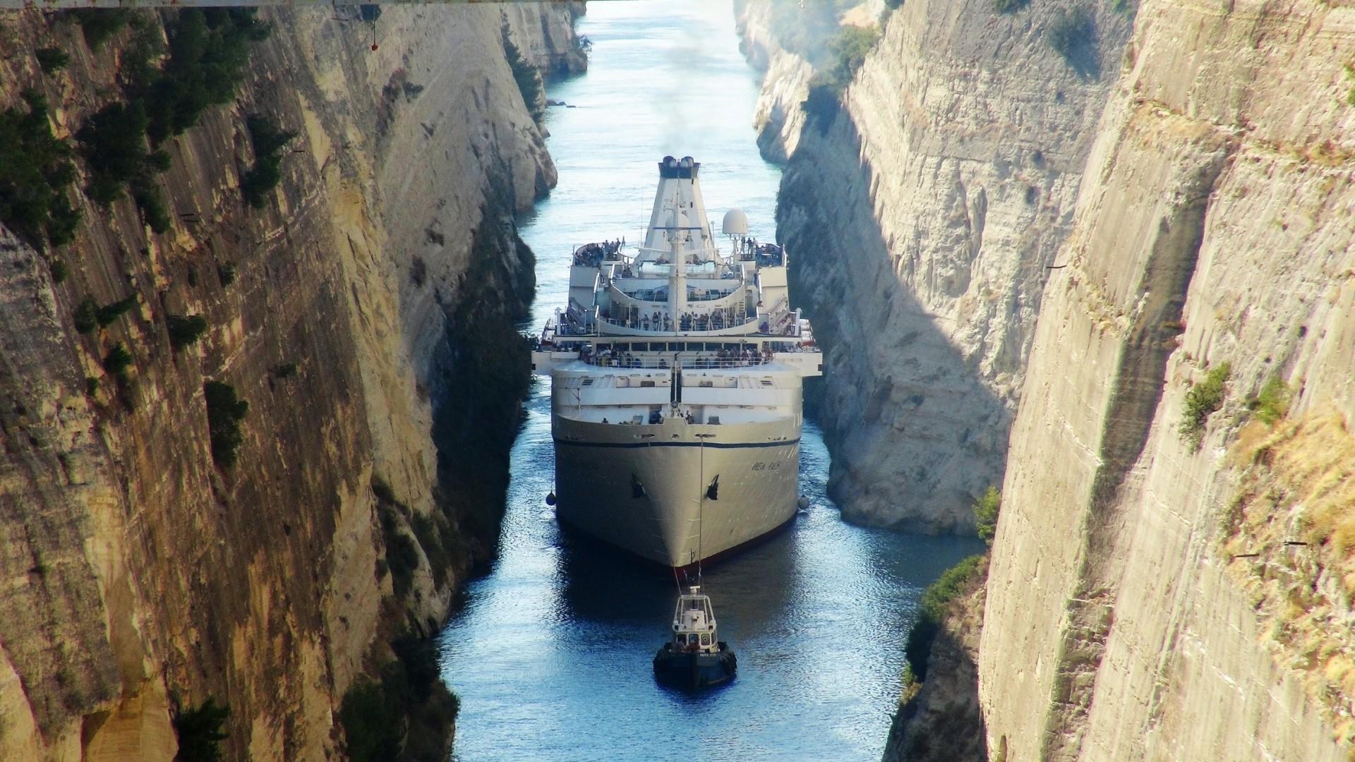 MS Ocean Majesty, Kanal von Korinth