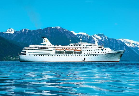 MS Ocean Majesty, Außenansicht