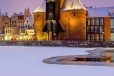 Kran im Hafen von Danzig im Winter