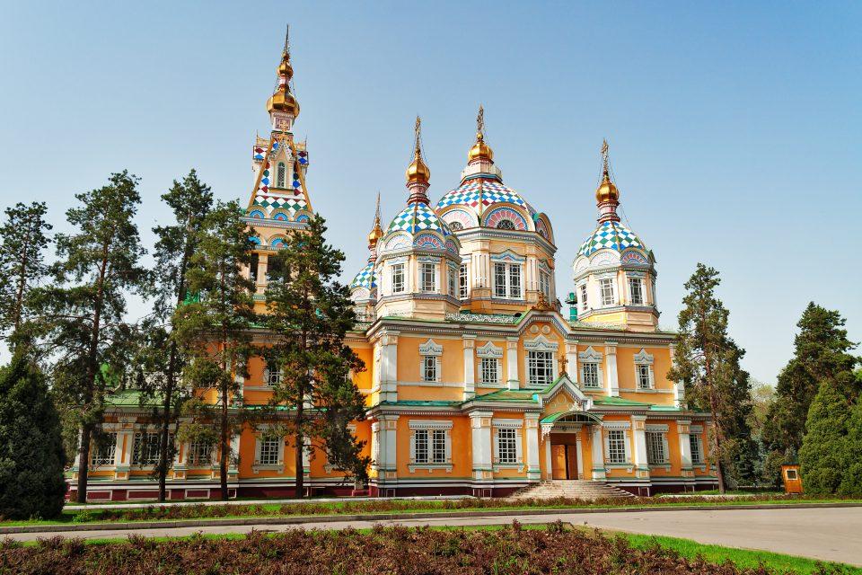 Christi-Himmelfahrt-Kathedrale in Almaty (Kasachstan)