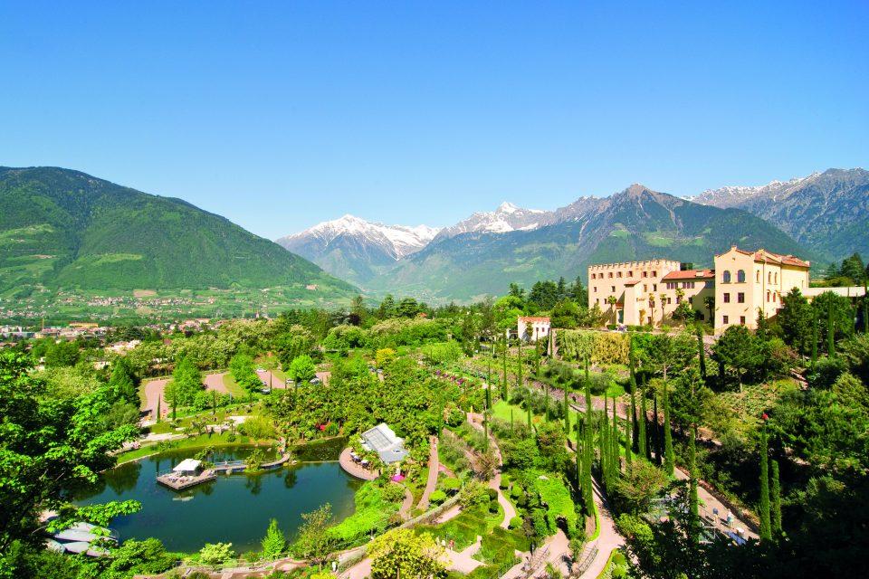 Alpenblühen und Traditionen in Südtirols zauberhafter Bergwelt