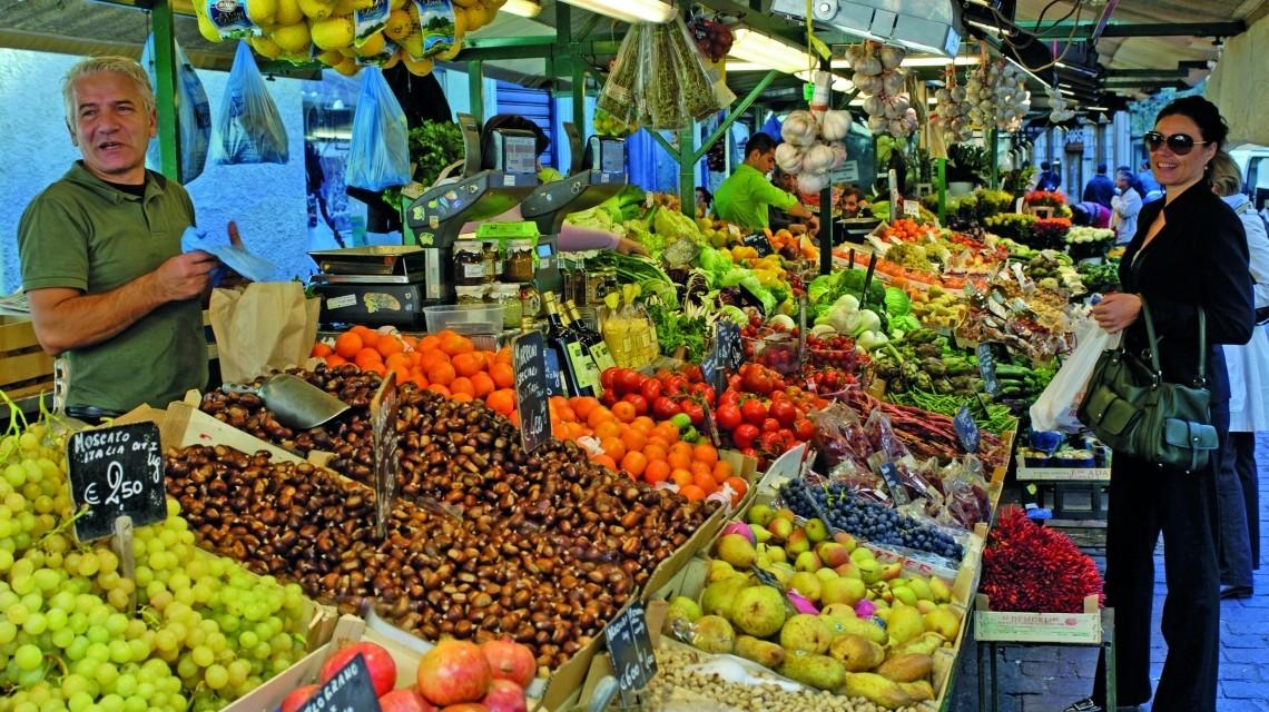 Obstmarkt in Bozen (Italien)