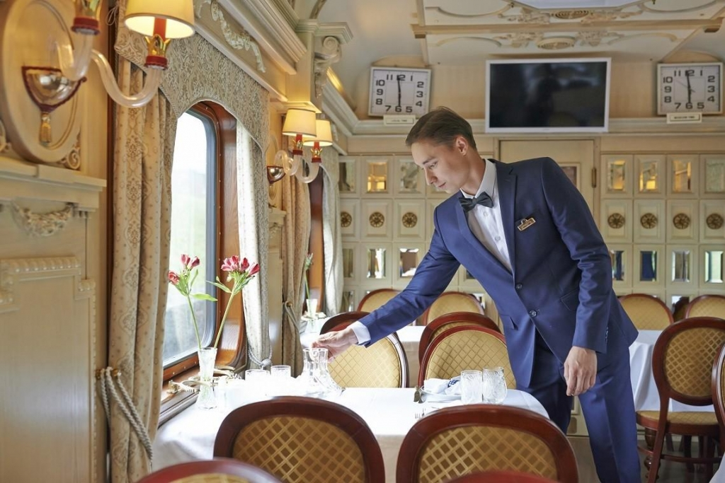 Restraurant Golden Eagle Trans-Siberian Express