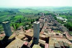 Die Hügelstadt San Gimignano in der Toskana