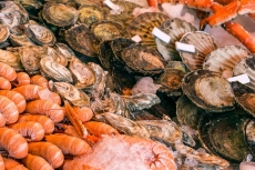 Fischmarkt in Norwegen (Shutterstock)