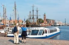 Bremerhaven mit traditionellen Segelschiffen