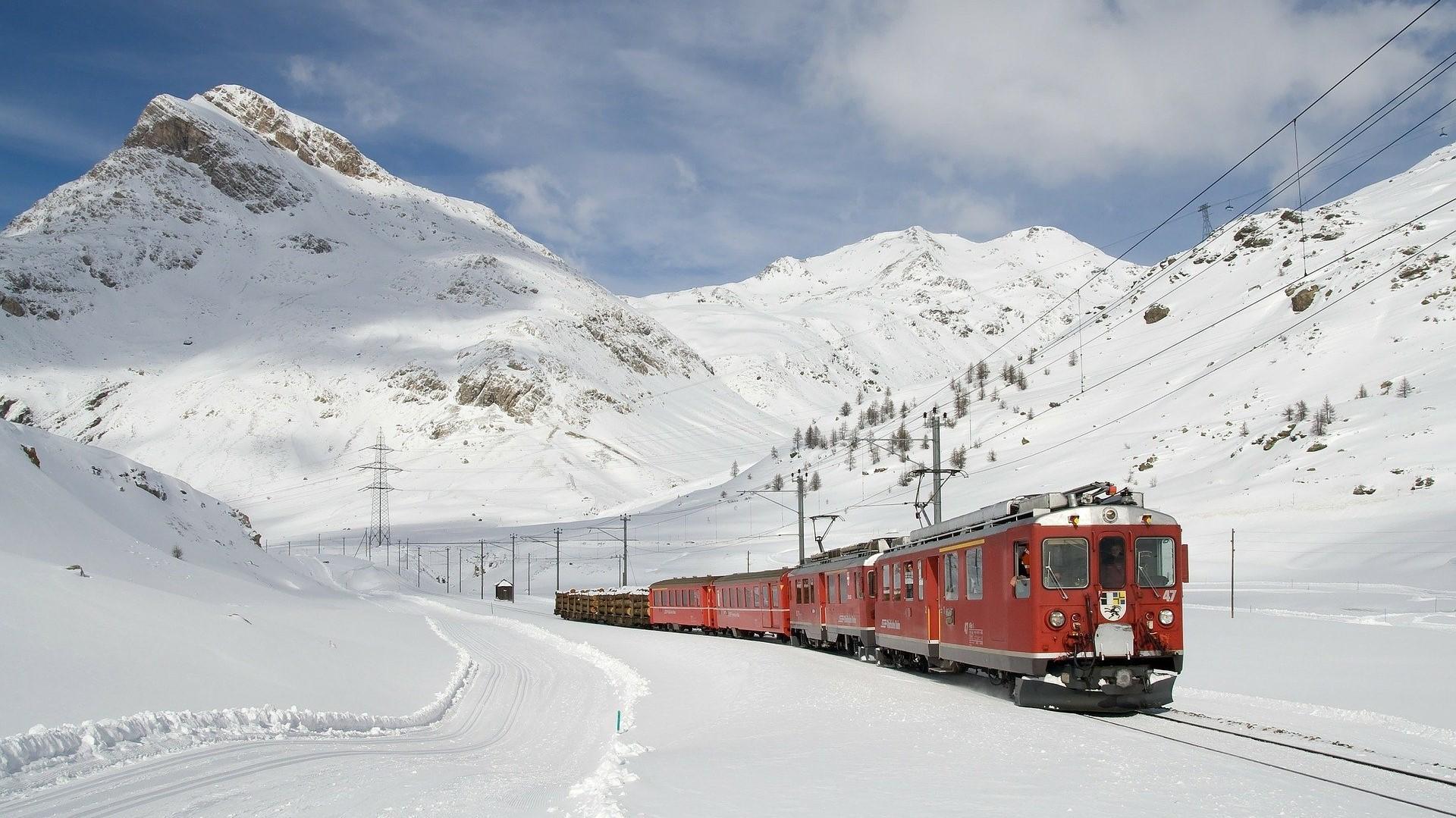 Zug im Winter